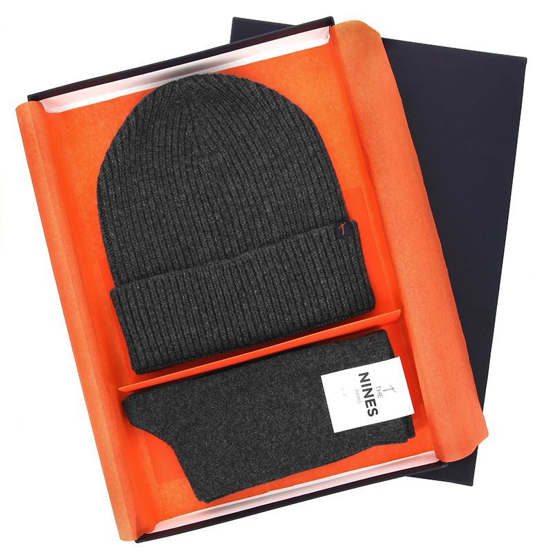 Winter gift set - Grey wool beanie and cashmere socks