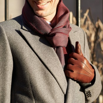 Burgundy merino wool scarf with herringbone pattern