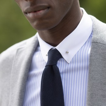 Pin collar shirt with blue stripes and French cuffs