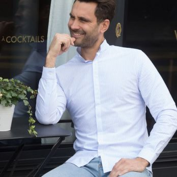 White reverse collar with blue stripes oxford shirt
